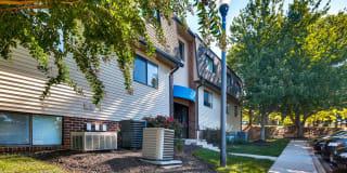 Meadow Creek Apartments Photo Gallery 1