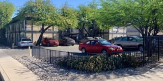 1515 S Woodland Ave #B Photo Gallery 1