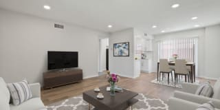 560 Bucknell Ave Photo Gallery 1
