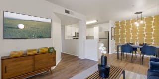 909 West Photo Gallery 1