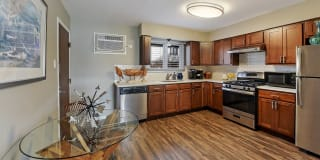 The Clarendon Apartment Homes Photo Gallery 1