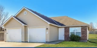 211 Golfview Drive Photo Gallery 1