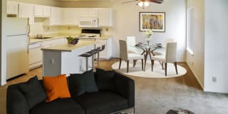 Quail Hill Apartments Photo Gallery 1