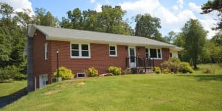 5069 Middle Road Photo Gallery 1
