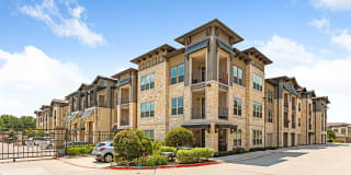 Hickory Creek Ranch Apartments Photo Gallery 1
