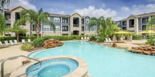Summerbrooke Apartments Photo Gallery 1