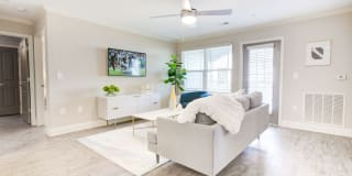 Laurel View Apartments Photo Gallery 1