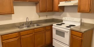 1112 Williams Ave Apt #D Photo Gallery 1