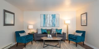 Kings Meadow Apartments Photo Gallery 1