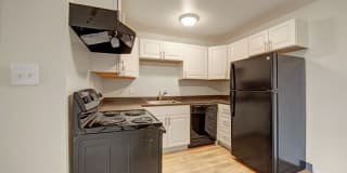 Broadmoor Park Tower Apartment Homes Photo Gallery 1