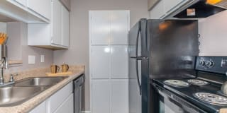 Commerce Park Apartment Homes Photo Gallery 1