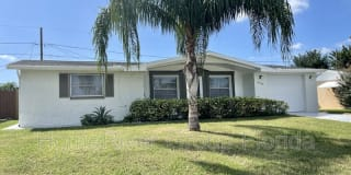 5140 Overton Dr Photo Gallery 1