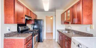 Oakton Park Apartments Photo Gallery 1