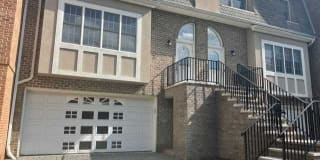105 Stonegate Trail Photo Gallery 1