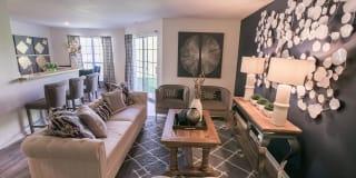 Kensington Grove Apartment Homes Photo Gallery 1
