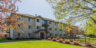 Woodland Park Apartments Photo Gallery 1