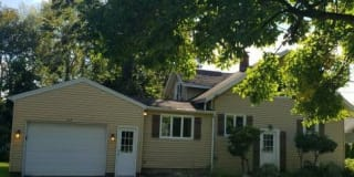 127 Midvale Drive Photo Gallery 1