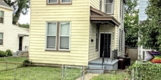122 Ash St Photo Gallery 1