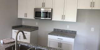 Grand Oaks Apartments Photo Gallery 1
