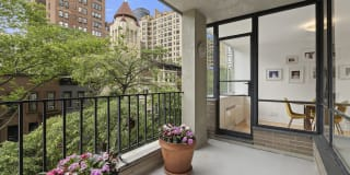 333 East 69th Street Photo Gallery 1