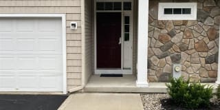 70 KNOLLWOOD HOLLOW Photo Gallery 1