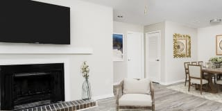 Orchard Park Apartment Homes Photo Gallery 1