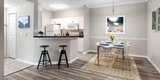 Alexandria Parc Vue Apartments Photo Gallery 1