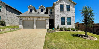 2110 Maplewood Drive Photo Gallery 1