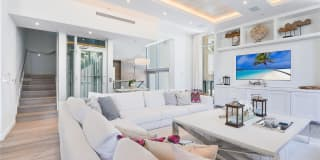 9501 Collins Ave Photo Gallery 1