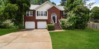 6821 Hickory Hollow Drive Photo Gallery 1