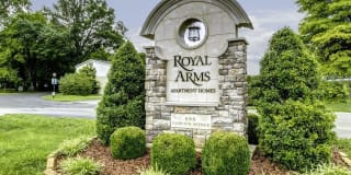 Royal Arms of Bowling Green Photo Gallery 1