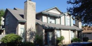 7527 Oak Chase Photo Gallery 1