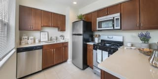 Chatham Hill Apartments Photo Gallery 1