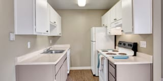 The Henley Apartment Homes Photo Gallery 1