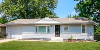 1405 Country Club Drive Photo Gallery 1