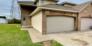 3345 S Hillcrest Photo Gallery 1
