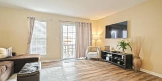 2723 Foxshire Dr Photo Gallery 1