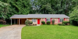 2093 Forest Court Photo Gallery 1