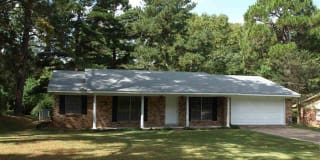 804 DOGWOOD DR Photo Gallery 1