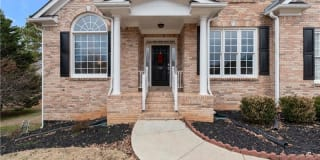 120 Sunvalley Drive Photo Gallery 1