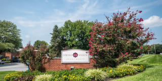 Spring Manor Apartments Photo Gallery 1