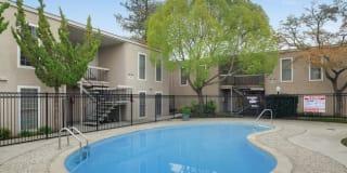 Sequoyah II Apartments Photo Gallery 1