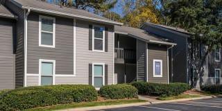 1500 Oak Apartments Photo Gallery 1