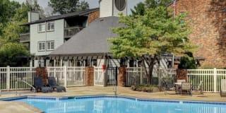 Post Oak Apartments Photo Gallery 1