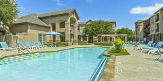 Fountains of Burleson Apartments Photo Gallery 1