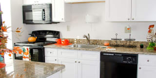 Forest Lake Apartments Photo Gallery 1