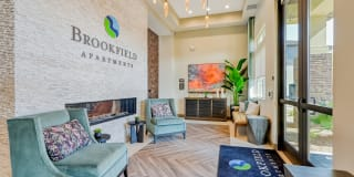 Brookfield Apartments Photo Gallery 1