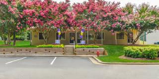 Huntersville Apartment Homes Photo Gallery 1