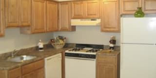 Emerald Ridge Apartments Photo Gallery 1