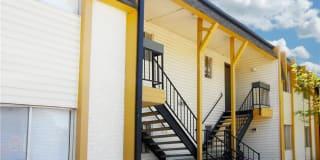 Wood Creek Apartments Photo Gallery 1